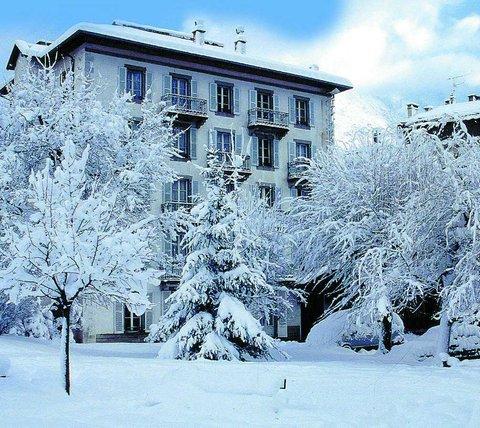 Hotel Croix Blanche - Winter Exterior View