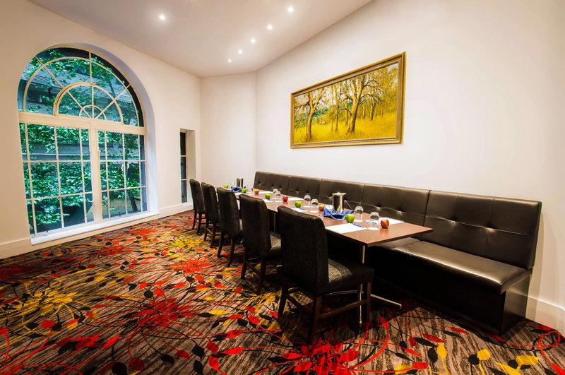 Radisson Blu Plaza Hotel Sydney レストラン