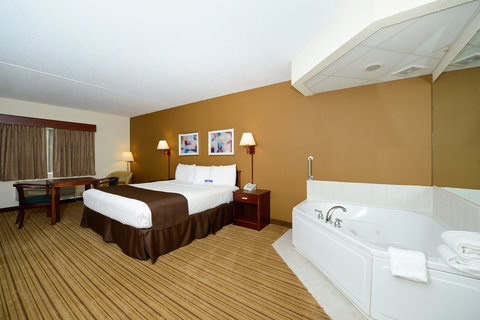 Americas Best Value Inn And Suites - One King Bed Jacuzzi Suite