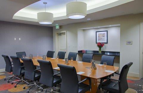 Embassy Suites Elizabeth Newark Airport - Boardroom