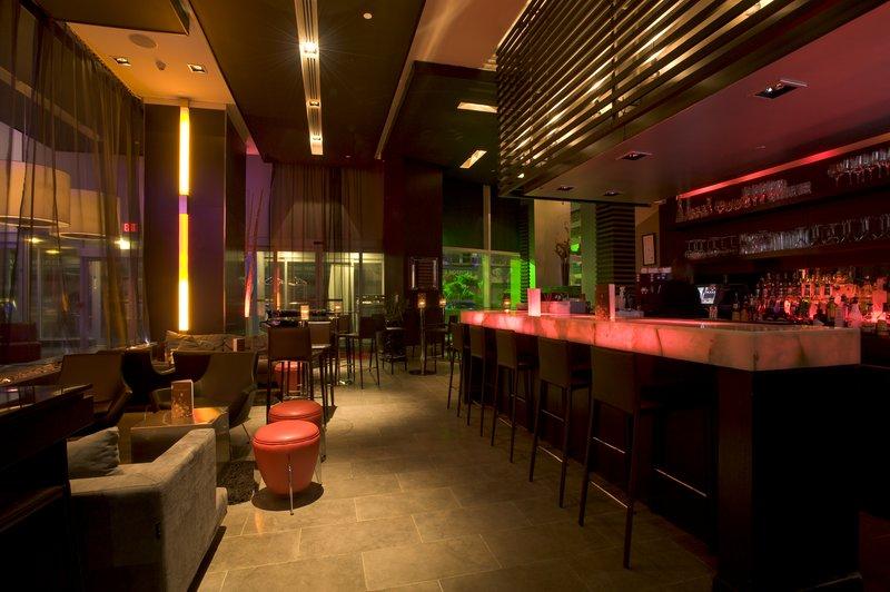 Pantages Hotel Toronto Centre バー/ラウンジ