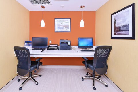 BEST WESTERN PLUS Fresno Airport Hotel - Business Center