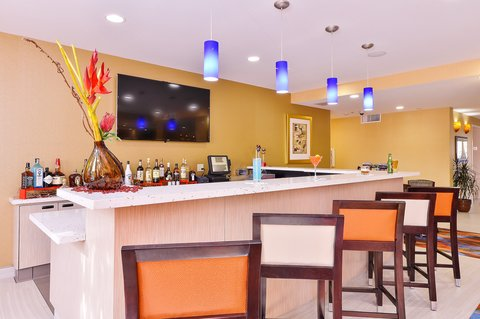 BEST WESTERN PLUS Fresno Airport Hotel - Jet Lounge