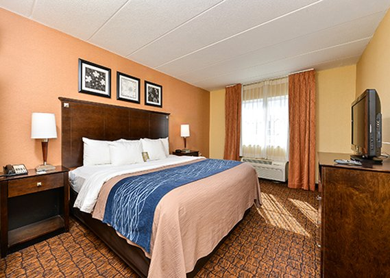 Comfort Inn And Suites - Eatontown, NJ