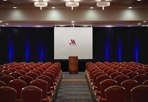 Des Moines Marriott Downtown - Meeting Room   Theater Setup