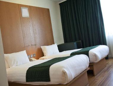 Ramada Encore Bournemouth - Twin Room