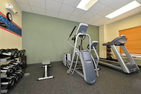 Hampton Inn Cortland - Fitness Area with Weights
