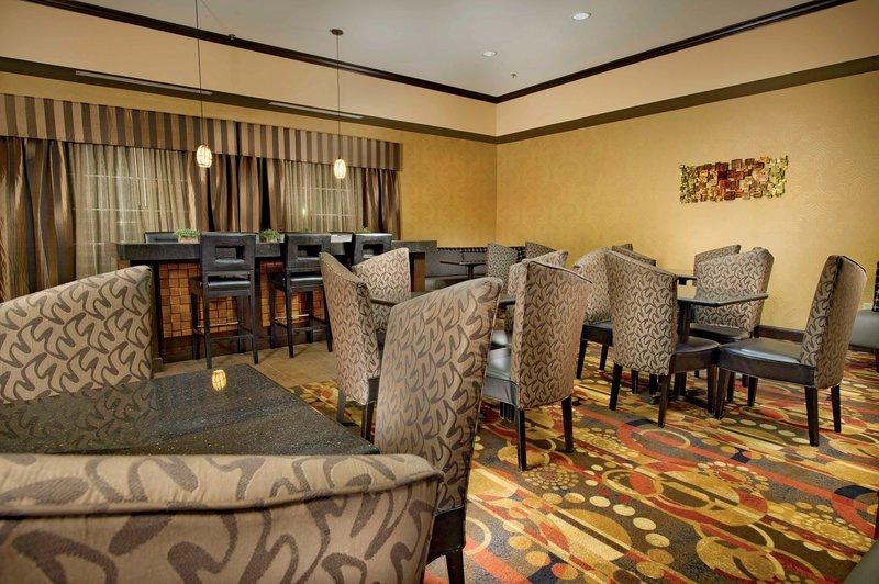 La Quinta Inn & Suites Denton University Drive - Denton, TX