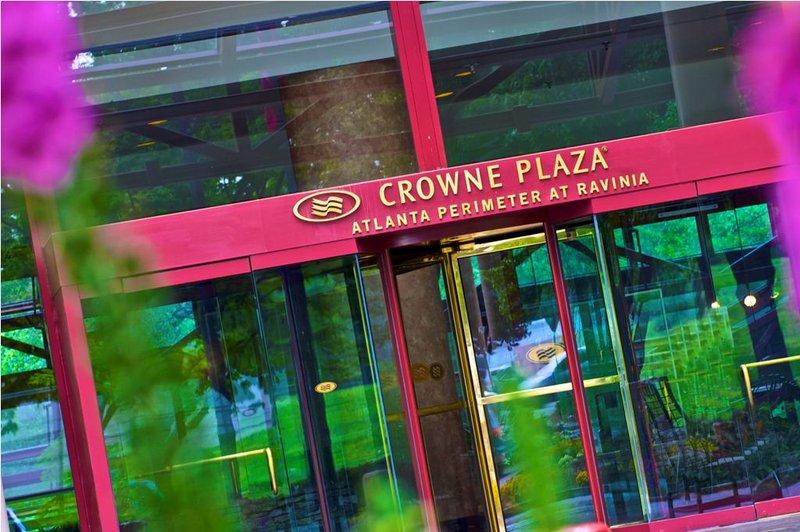 Crowne Plaza Ravinia Pohled zvenku