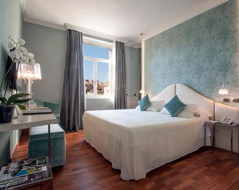 Hotel Bernini Bristol - Small Luxury Hotels of The World - Superior Room