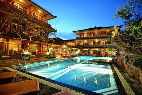 Wina Holiday Villa Kuta Bali - Main Swimming Pool