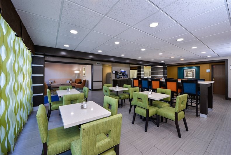 Holiday Inn Express Hotel & Suites Houston-Kingwood Gastronomía