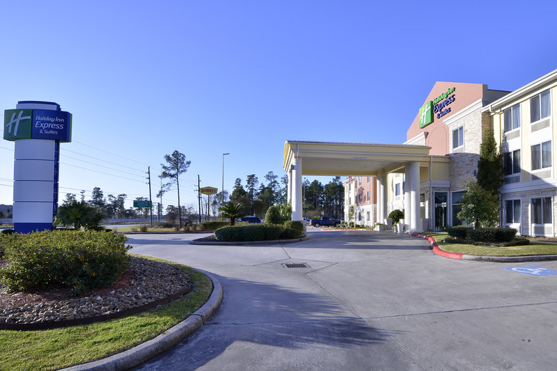 Holiday Inn Express Hotel & Suites Houston-Kingwood Vista exterior