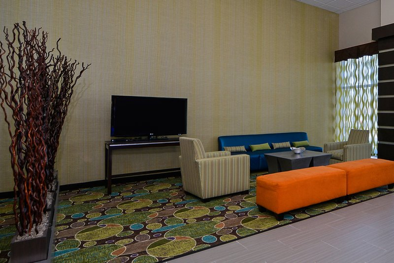 Holiday Inn Express Hotel & Suites Houston-Kingwood Lobby