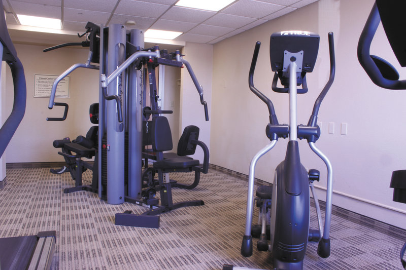 La Quinta Inn & Suites Wayne Fitness Club