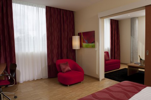 Ramada Encore Geneva - Lounge Room