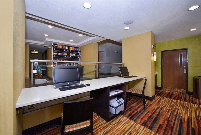 Holiday Inn Express DENVER AURORA - MEDICAL CENTER - Watkins, CO