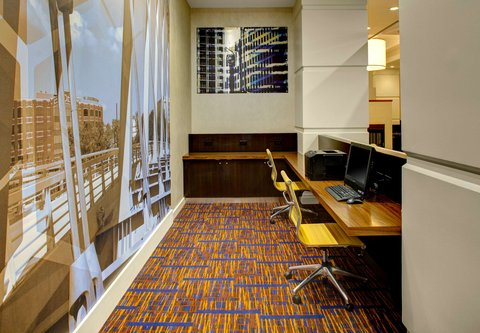 Courtyard By Marriott Columbus Downtown Hotel - Business Center