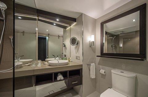 Hilton Darwin - Executive Guest Room bathroom