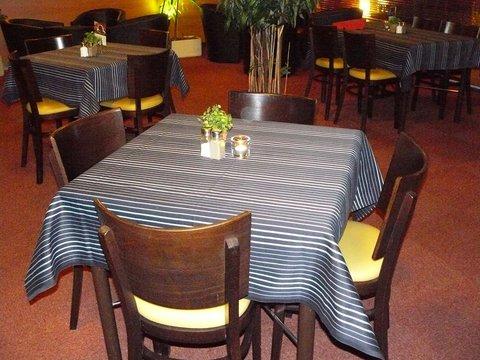 Astral Inn Hotel - Restaurant