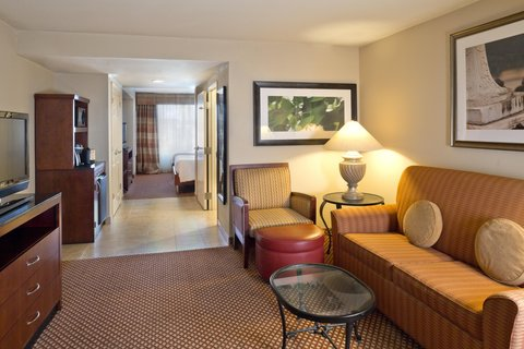 Hilton Garden Inn Baltimore-White Marsh - Living Room King Jr Exec Suite