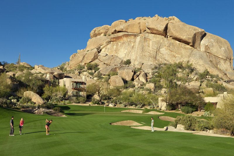 BOULDERS RESORT AND SPA CURIO