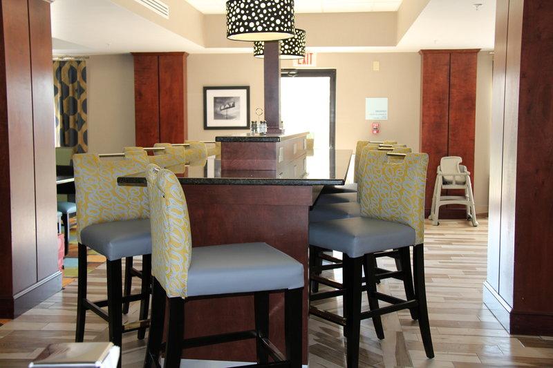Holiday Inn Express & Suites ROANOKE RAPIDS SE - Roanoke Rapids, NC