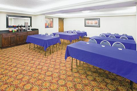 La Quinta Inn & Suites Dallas I-35 Walnut Hill Ln - Meeting Room