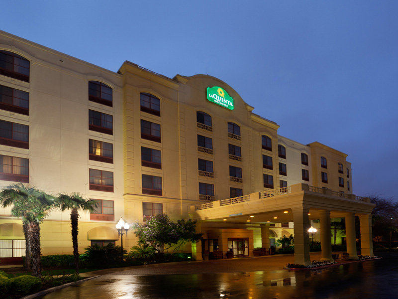 La Quinta Inn & Suites San Antonio Downtown Exterior view