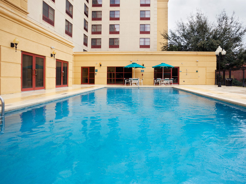 La Quinta Inn & Suites San Antonio Downtown View of pool