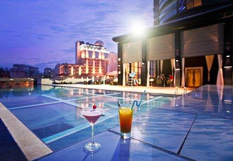 富豪首座酒店 - Outdoor Pool
