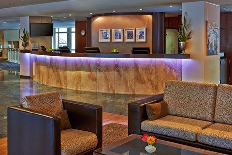 Hilton Bonn - Reception Desk
