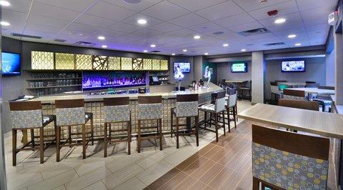 Embassy Suites Hotel-Denver Stapleton - Bar Seating