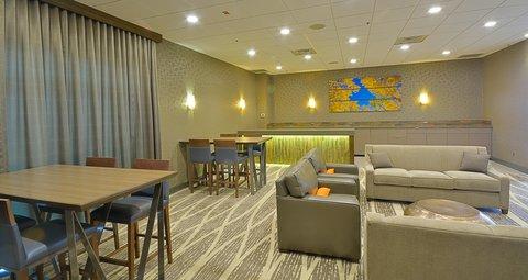 Embassy Suites Hotel-Denver Stapleton - Lobby