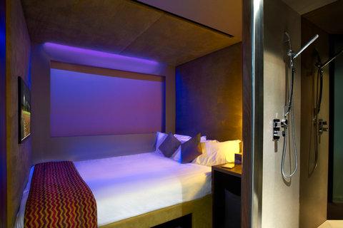 Bloc Hotel Gatwick - Sleep room