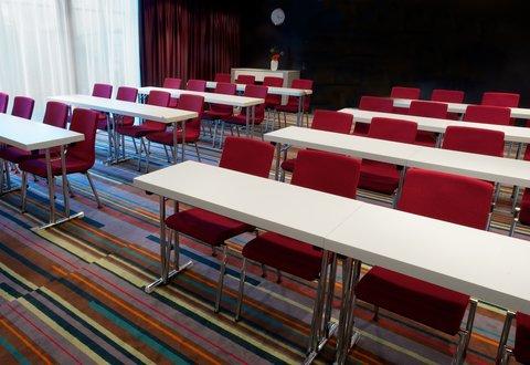拉迪森萨斯机场酒店 - Meeting rooms
