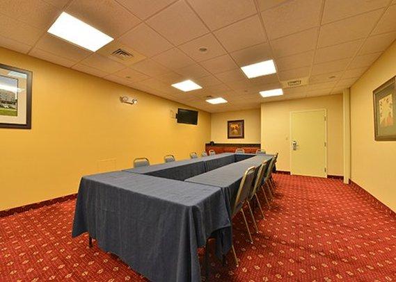 Mainstay Suites - Dover, DE