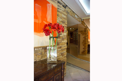 Best Western Dauro II Hotel - Flowers in the Lobby
