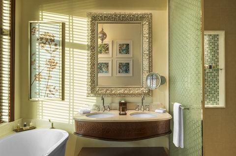 منتجع عجمان سراي، لوكشري كوليكشن - Bathroom