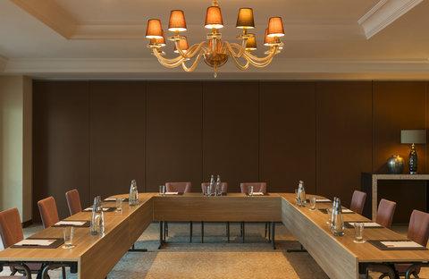 منتجع عجمان سراي، لوكشري كوليكشن - Meeting Room