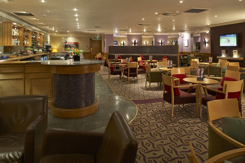Holiday Inn Leeds-Garforth Bar/salónek