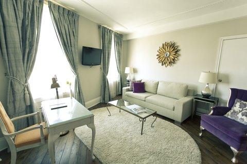 Culver Hotel - Culver Grande Suite One Bedroom Livingroom