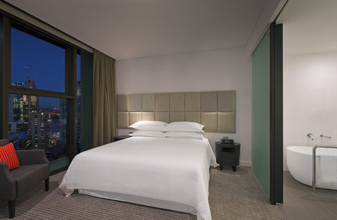 Four Points By Sheraton Brisbane Hotel - River view Suite