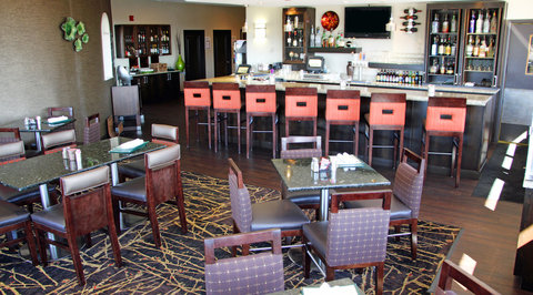Radisson Hotel Colorado Springs Airport - Bar Lounge