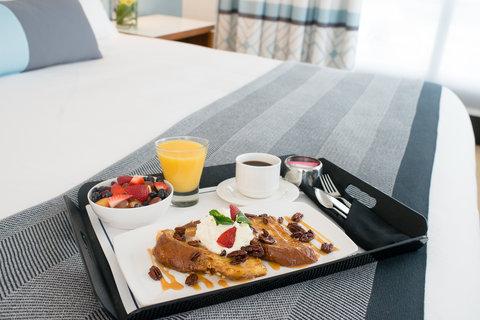 Loews Annapolis Hotel - Bed   Breakfast