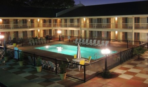 GuestHouse Inn And Suites - Picturepoolforgoogle