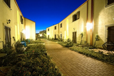 Sikania Resort & Spa - Exterior