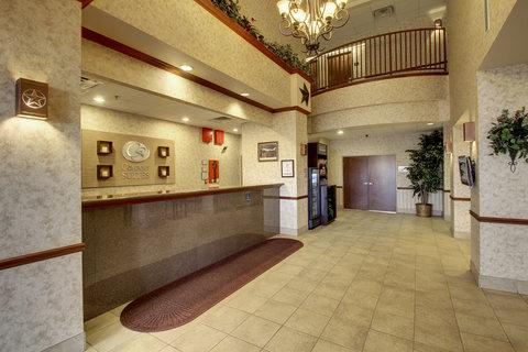 Comfort Suites Waco - Lobby