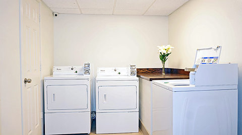 Motel 6 Bryan - College Station - Laundry Facility