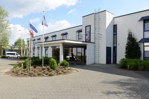 BEST WESTERN Zimmerhotel - Exterior